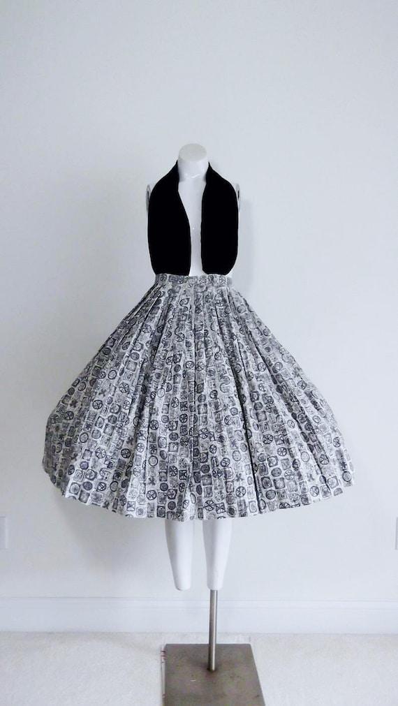 50s mid century atomic Skirt / 50s Pleated circle