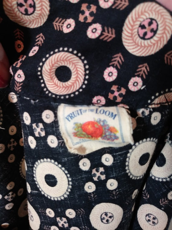 Vintage 40s pink button dress / 40s novelty print… - image 10