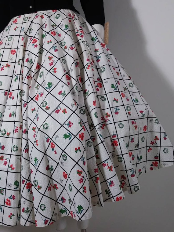 Vintage 50s Circle Skirt / 50s Novelty print skirt