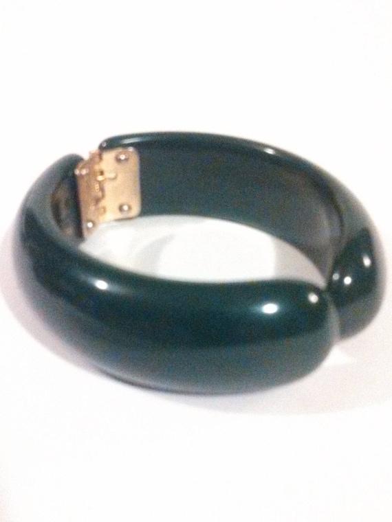 Vintage Bakelite Clamp Bracelet / Green Bakelite B