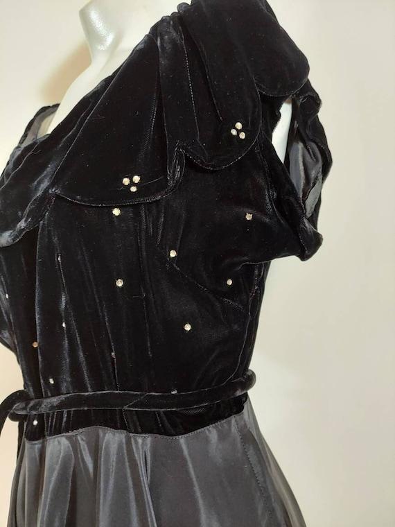Vintage 40s velvet dress jacket set / 40s cropped… - image 1