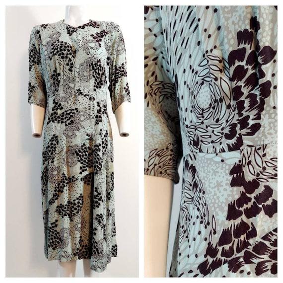 Vintage 40s rayon dress / 40s novelty print dress… - image 1