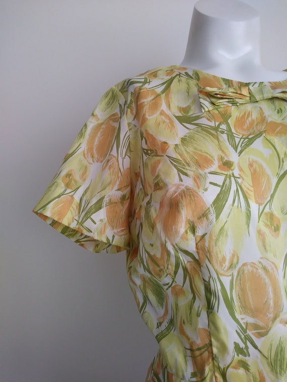 vintage 50s floral blouse / 50s button up back Blo