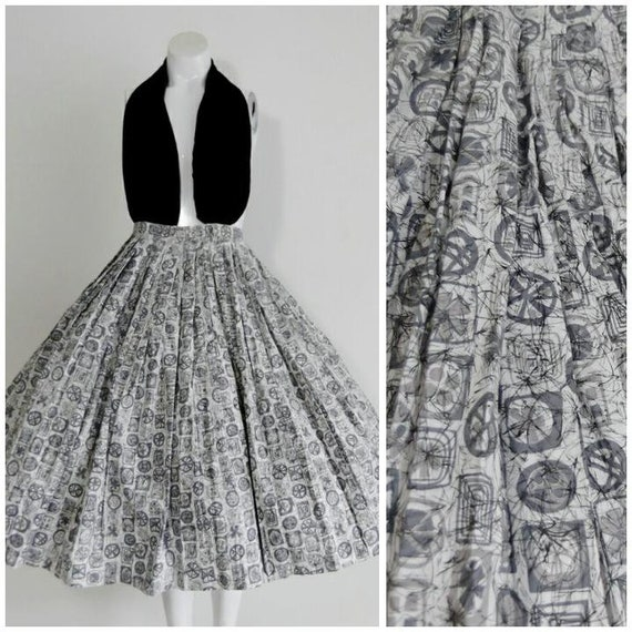50s mid century atomic Skirt / 50s Pleated circle