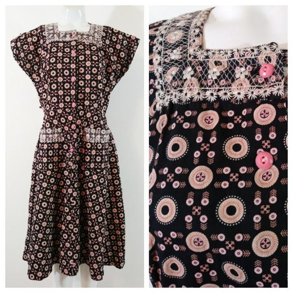 Vintage 40s pink button dress / 40s novelty print