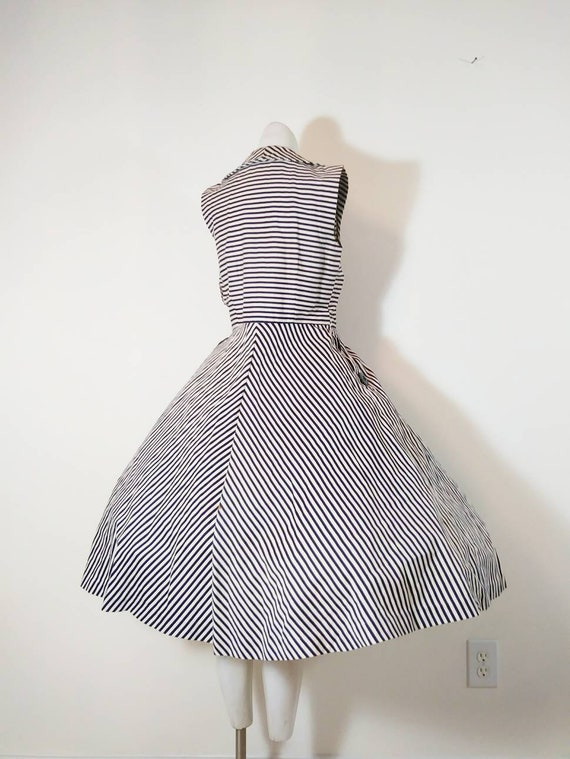 Vintage 50s circle skirt dress / 50s stripes dres… - image 5