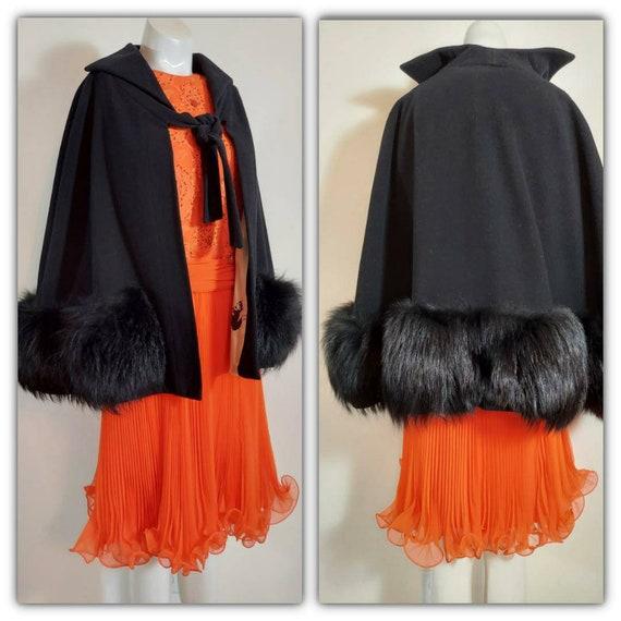 Vintage 40s Cape with Fox Fur trim / 40s 50s wool
