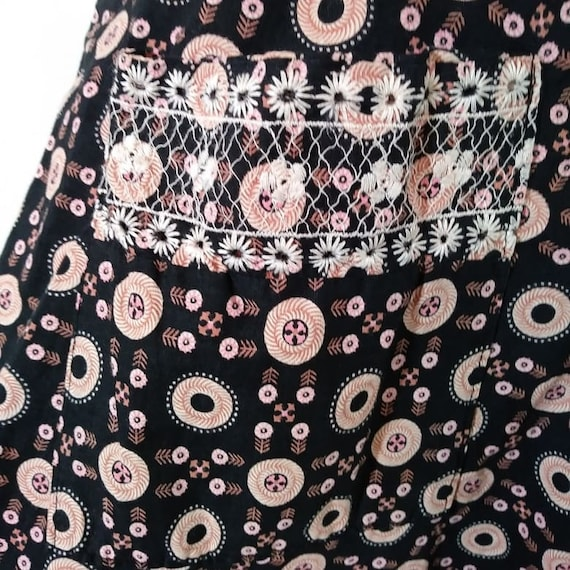 Vintage 40s pink button dress / 40s novelty print… - image 6