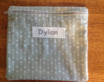 Reusable sandwich bag. Snack Baggie. Makeup bag. Zippered bag.Personalized. Cute arrows.