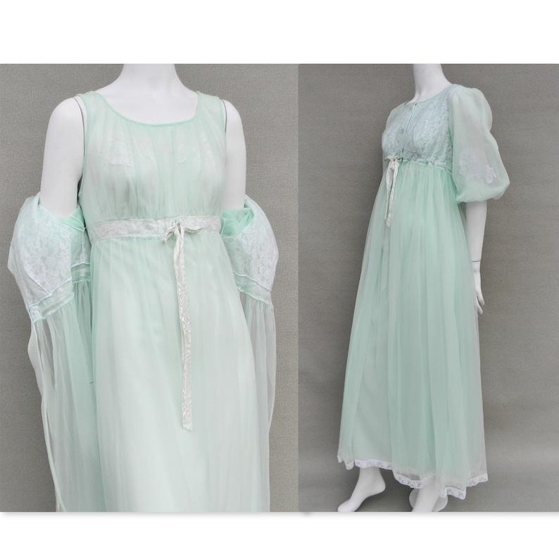 Vintage pastel green Miss Elaine long nightgown romantic  a70e176ed