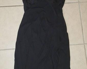 Vintage Sexy Short LBD Little Black Dress Assymetrical Ruffled Hem Slit Thigh BodyCon US Size 12 (Runs Small Fits more like a 6/8) F44 EUC