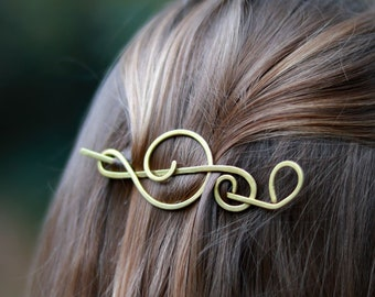 Music gift for her - Treble clef hair clip - Singer gifts - Brass or Copper brooch for sweater - Shawl pins - Music notes