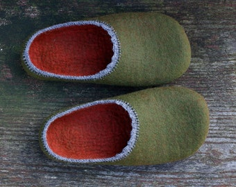Felted wool slippers for women in earthy green and rustic red colours, Felt slippers made to order in UK, Self-loving gift, Mothers day gift