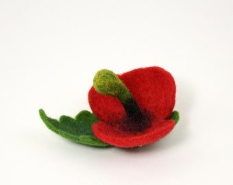 Designer Felt Poppies for Remembrance Day. Red Poppie brooches. Support the Royal British legion. Handmade poppy flower made in UK
