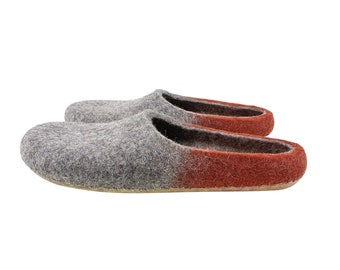 Slippers for women. Slippers for men. Eco wool felt slippers in grey and red. Sustainable custom made felt slippers in unisex style. UK