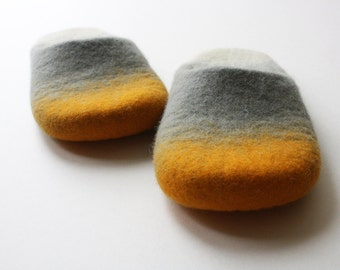 Wool slippers Like a sunrise on the ocean horizon, Sustainable indoor wool slippers in unisex style, Ombre felt slippers made in UK. Onstail