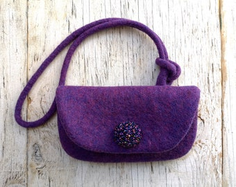 Mini felt phone purse with detachable handle. Elegant & Stylish phone bags in purple or pink colours. Custom colour available. Made in UK
