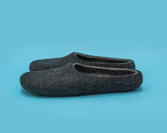 Black felt wool slippers for men and women, Smoky Black indoor slippers with non slip sole. Hand felted Eco wool home slippers made in UK