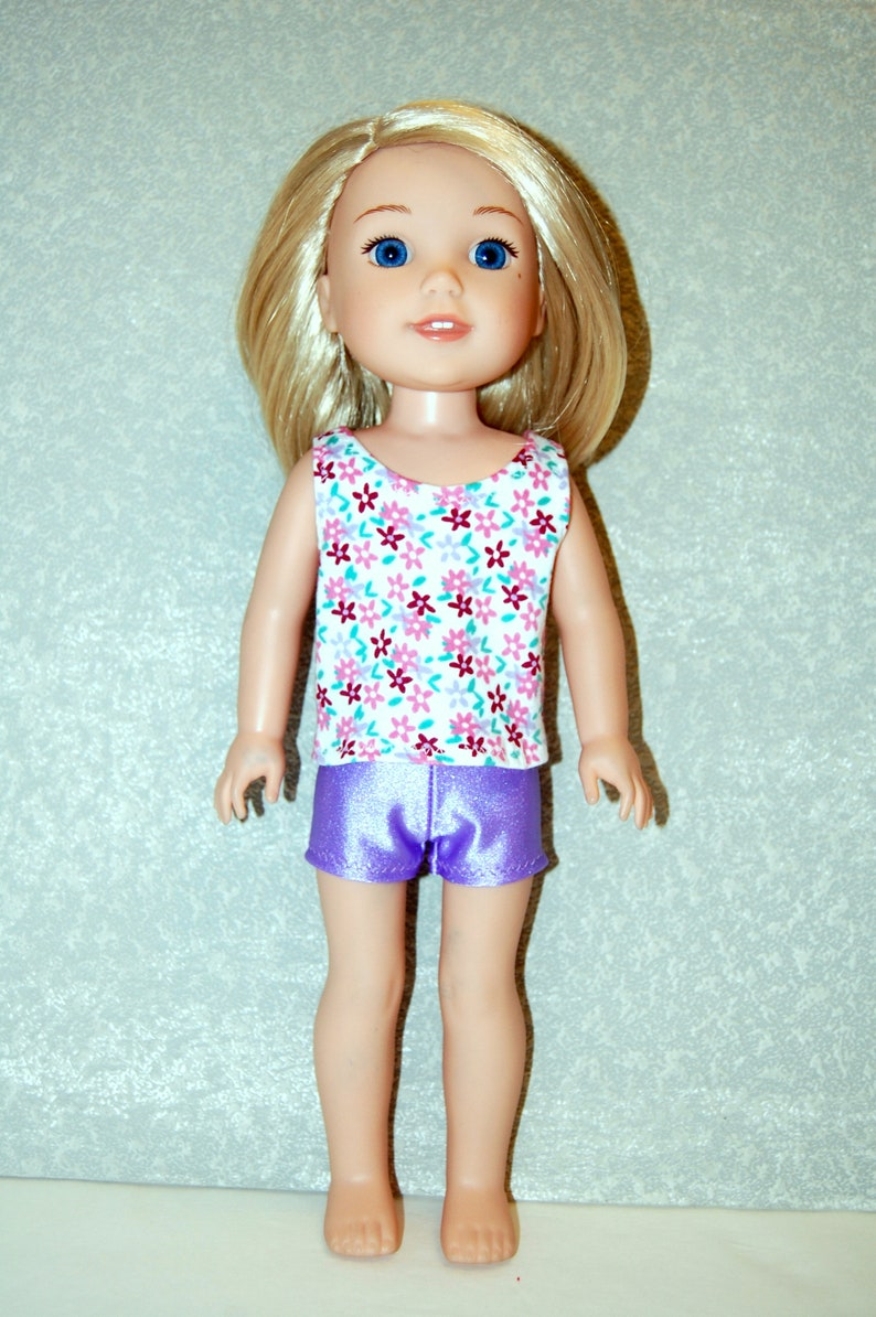 """Shorts /& shirt for 14.5/"""" Wellie Wishers Doll Clothes TKCT handmade flower//red"""