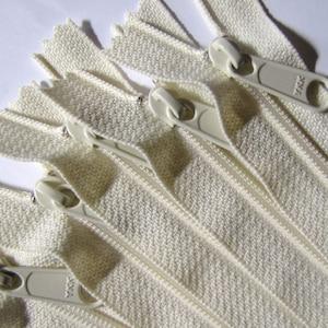 nylon coil 4.5 YKK vanilla color 121 24 inch Handbag zippers with extra long pull TEN pcs
