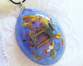 Sewing Machine Charm Lace Fabric Flower Necklace Bohemian Jewelry Resin Pendant Nature Boho Glitter
