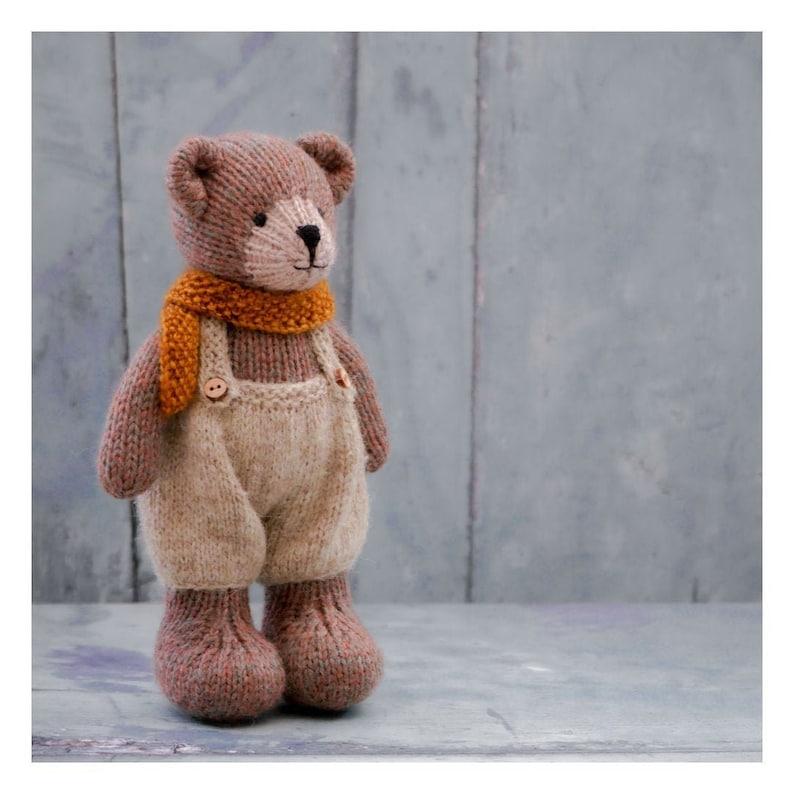 New Little TEAROOM Bears 8/ Toy Knitting Pattern/ image 0