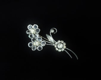 Vintage Unmarked Silver Tone Metal Pretty Bezel Set & Marquise Clear Glass Rhinestone Flower / Floral Brooch
