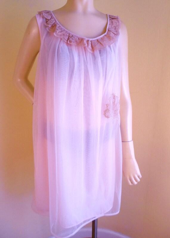 Womens Pink Peignoir ,sheer nightgown, 1950s, Pin