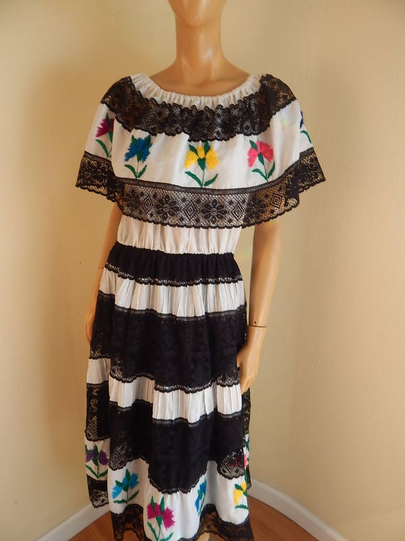 Mexican dress, lace, embroidery, off the shoulder,