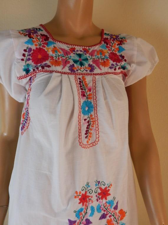 puebla dress, mexican dress, embroidered dress, hi
