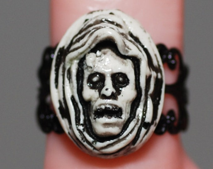 Horror Jewelry  Creepy Cute Halloween Cameo Jewelry  - The Shrouded Ghoul Cameo Ring