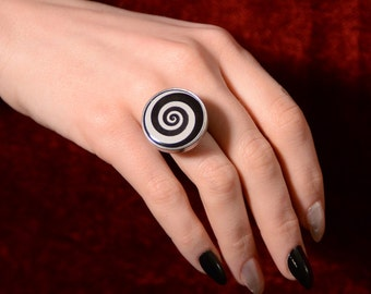 Spinning Ring  - Steampunk  Spiral magician Ring