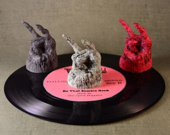 Devil Rock 45  RPM Record 3 adapter SET