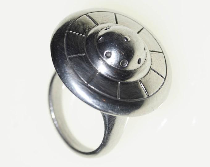 Flying Saucer spinning mechanical ring  Plan 9