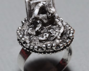 Zombie Jewelry  - Rising from the Grave Zombie