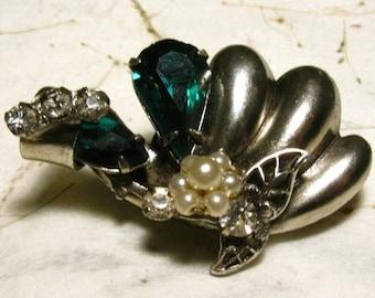 Original by Robert 1940s-1950s Brooch Green Rhinestones, Faux Pearls, Silver tone, Pin