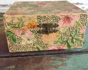 Antique Victorian Floral silk Small Box Pink and Green Flowers