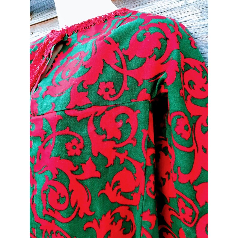 Vintage 1960s Red and Green Floral cotton Twill Kaftan Maxi Dress