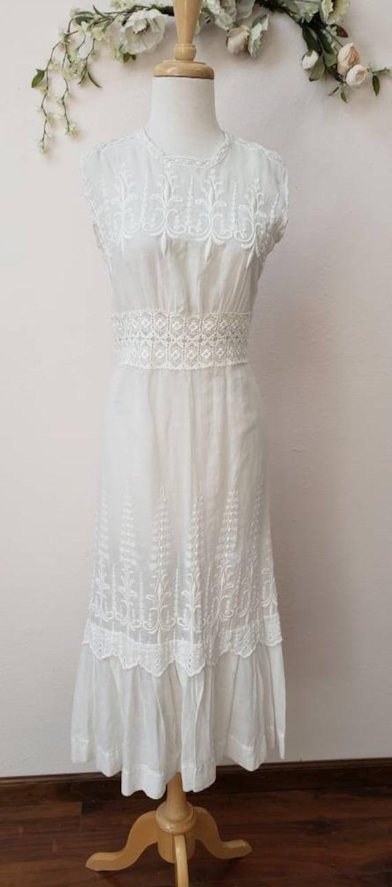 Edwardian embroidered lace bridal wedding dress