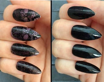 Undercover Skull Color Changing Stiletto Nails | Gothic Press On Nails |  Thermal Chameleon Nails | Acrylic Nail | Temperature Change Nails