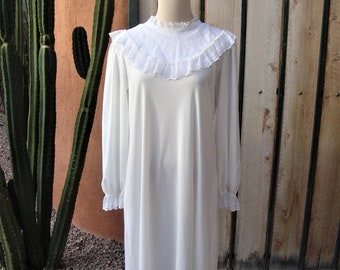 Le Voy's Vintage White Victorian Style Lace Collar Nightgown Size L