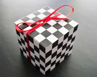 Checkered Favor Boxes
