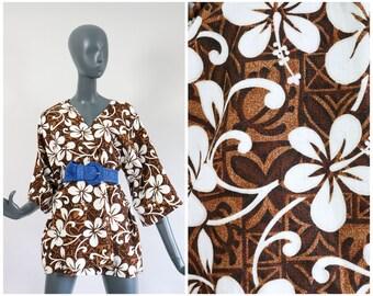 70s Hawaiian Barkcloth Beach Cover Up Summer Tiki Jacket Blouse Muumuu Shirt Top Blouse Floral 1970s Cover Up Flower Print Hawaii Luau OS