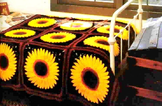 Granny Sunflower and Daisies Square for a Qult PDF Crochet pattern Bedspread