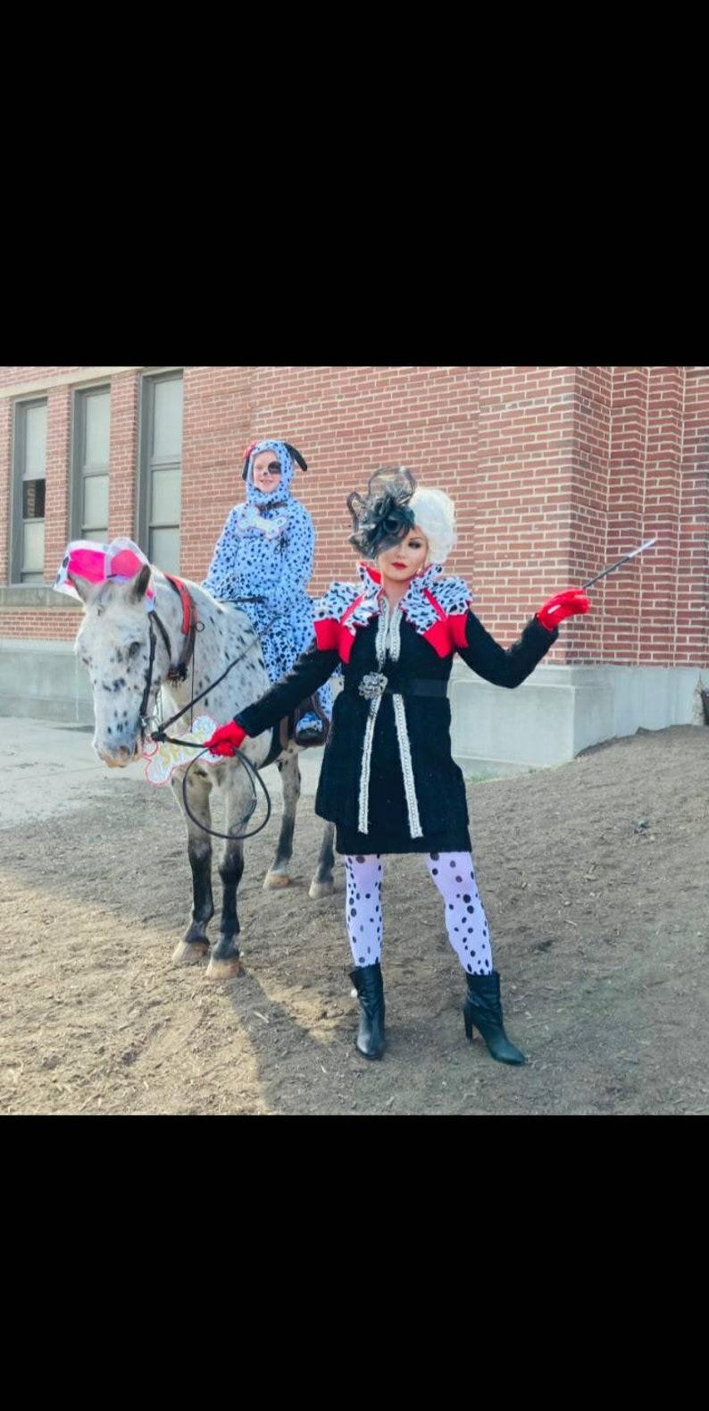 Dramatic collar shrug Cosplay dance costume Dalmatian Cruella de Vil Carnival Ringmaster Burlesque Manga Burningman Circus