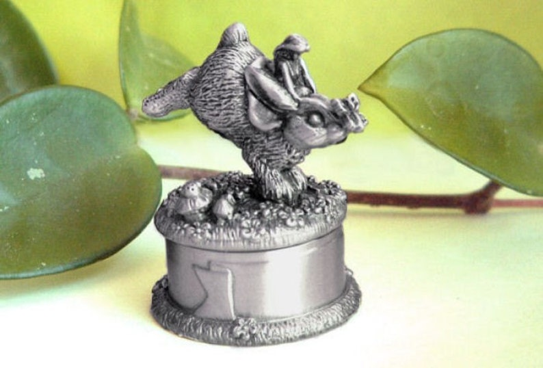 Pewter  bunny  Baby's First Curl Box. image 0