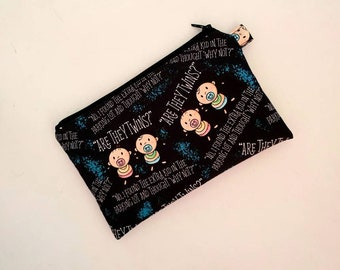 LONGER MEDIUM Pouch in With a Cute Twin Design
