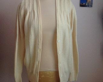 70s Powder Yellow V Neck Puff Sleeve Cardigan Chunky Wool Sweater Medium