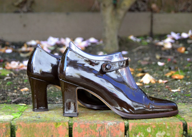 Ruggeri Made in Italy Sz 7, Eu 37.5 Dark chocolate patent leather mary jane heels