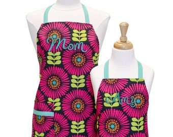 Personalized Apron Set Girls Apron Matching Aprons Toddler Apron Mother Daughter Mommy and Me Aprons Matching Aprons Little